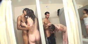 Babes In Shower Pics